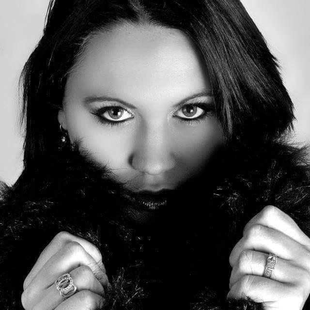 Laura - Elyzea