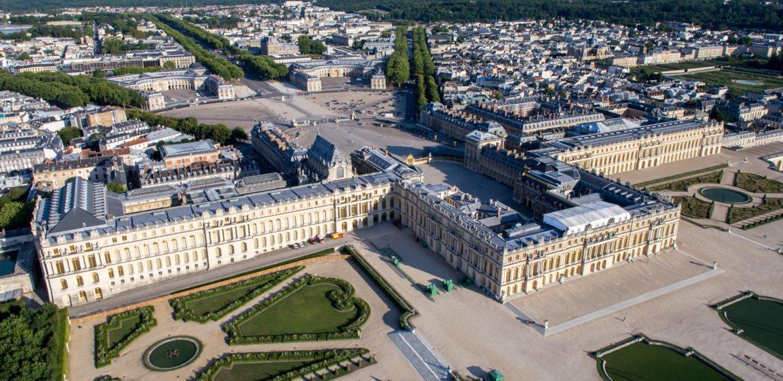Chateau de Versailles with ELYZEA